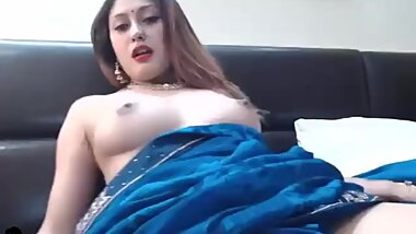 Sexy Anna in Saree