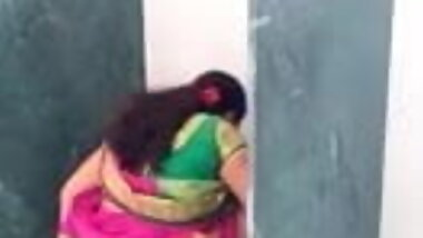 Tamil hot aunty on toilet hiddencam